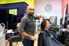 Ein türkischer Friseurmeister bringt neuen Schwung in Leos Haar