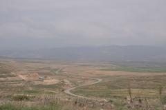 Anreise zum iranisch-turkmenischen Grenzort nahe Bajgiran. Unerwartet bergig und neblig.