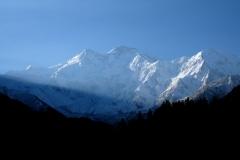 """Jeder Morgen beginnt mit einem Blick auf den Nanga Parbat und die Frage """"Ist der Himmel wolkenfrei?"""". Wir haben großes Glück, denn wir sehen den Bergriesen tatsächlich sehr oft komplett ohne Wolken!"""