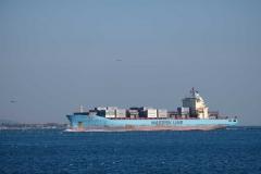 An der Promenade fährt ein großes Schiff nach dem anderen vorbei. Irgendwann fahre ich auch mal auf einem mit!