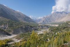Bei Karimabad ist das Hunza-Tal besonders grün