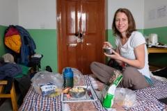 In unser gemütlichen Hostelzimmer nehmen wir unser selbstgemachtes Müsli zu uns :-)