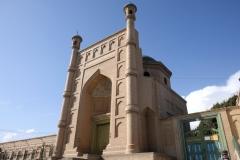 So hat doch jede Situation auch ihr Gutes: Ungeplant können wir doch noch die hübsche Moschee von Kucha besuchen
