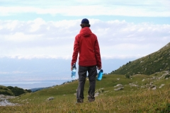 Am Gletscherbach füllen wir unsere Wasservorräte auf