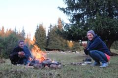 Aufwärmen am Lagerfeuer an unserem letzten Abend
