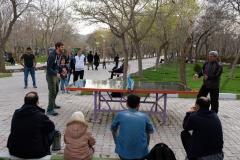 Sebastian wird zum Tischtennisspielen mit den Profis des Elgoli-Parks eingeladen. Er verliert...