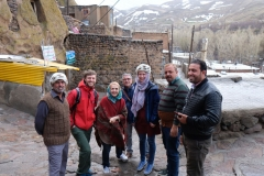 Diese irakischen Herren treffen wir in Kandovans Straßen und ich bekomme einen Fellhut als Geschenk. Ich vermute, der wird mir bald zu warm werden!?