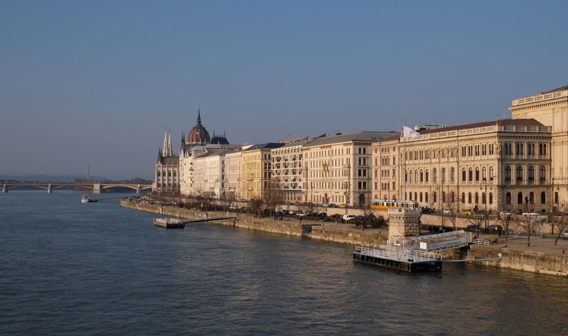 Unser erster Spaziergang führt uns an die Donau