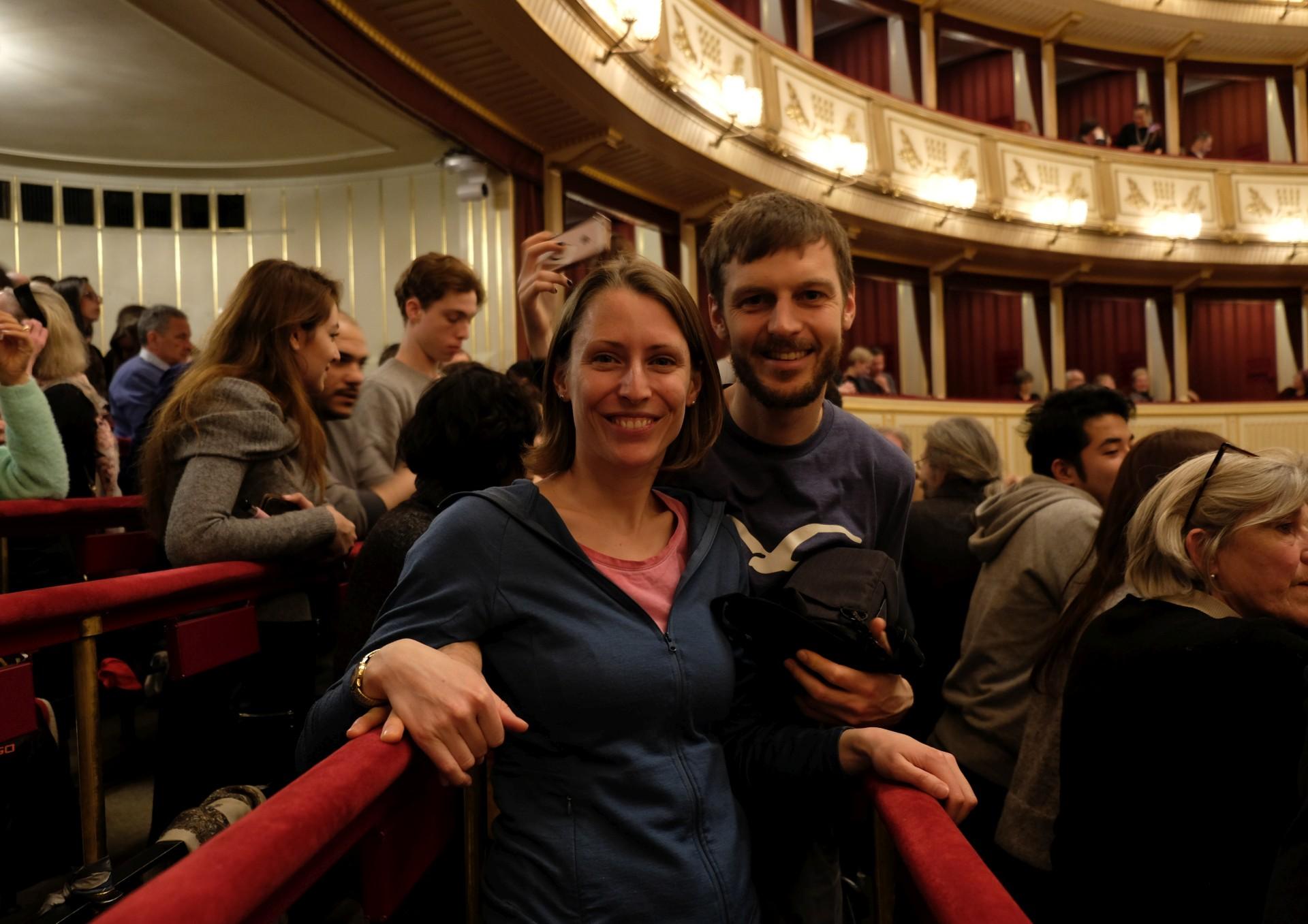 Und abends kamen wir in den Genuss, uns im Stehkartenbereich ein Ballett in der Wiener Staatsoper anzuschauen!