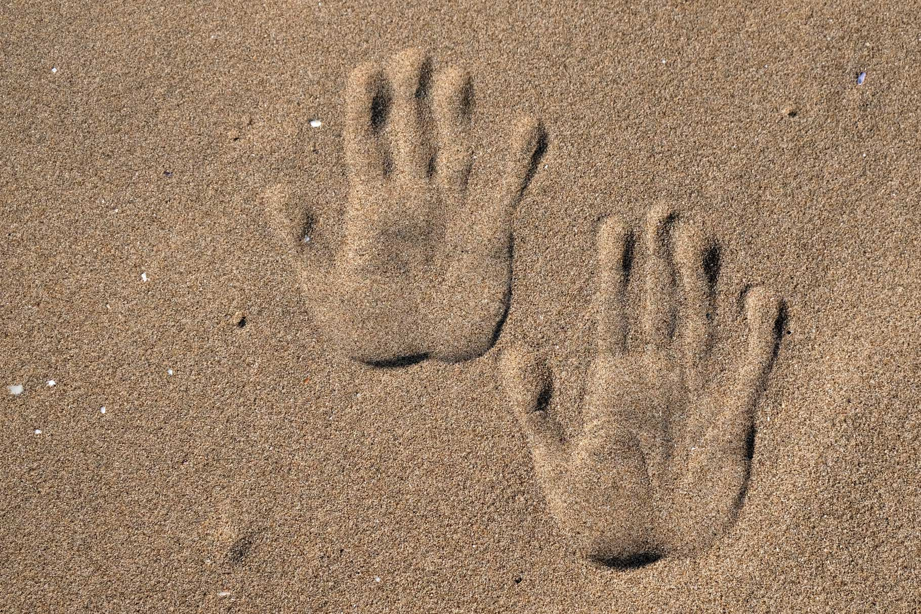 Im feinen Sand hinterlassen wir unsere Spuren...