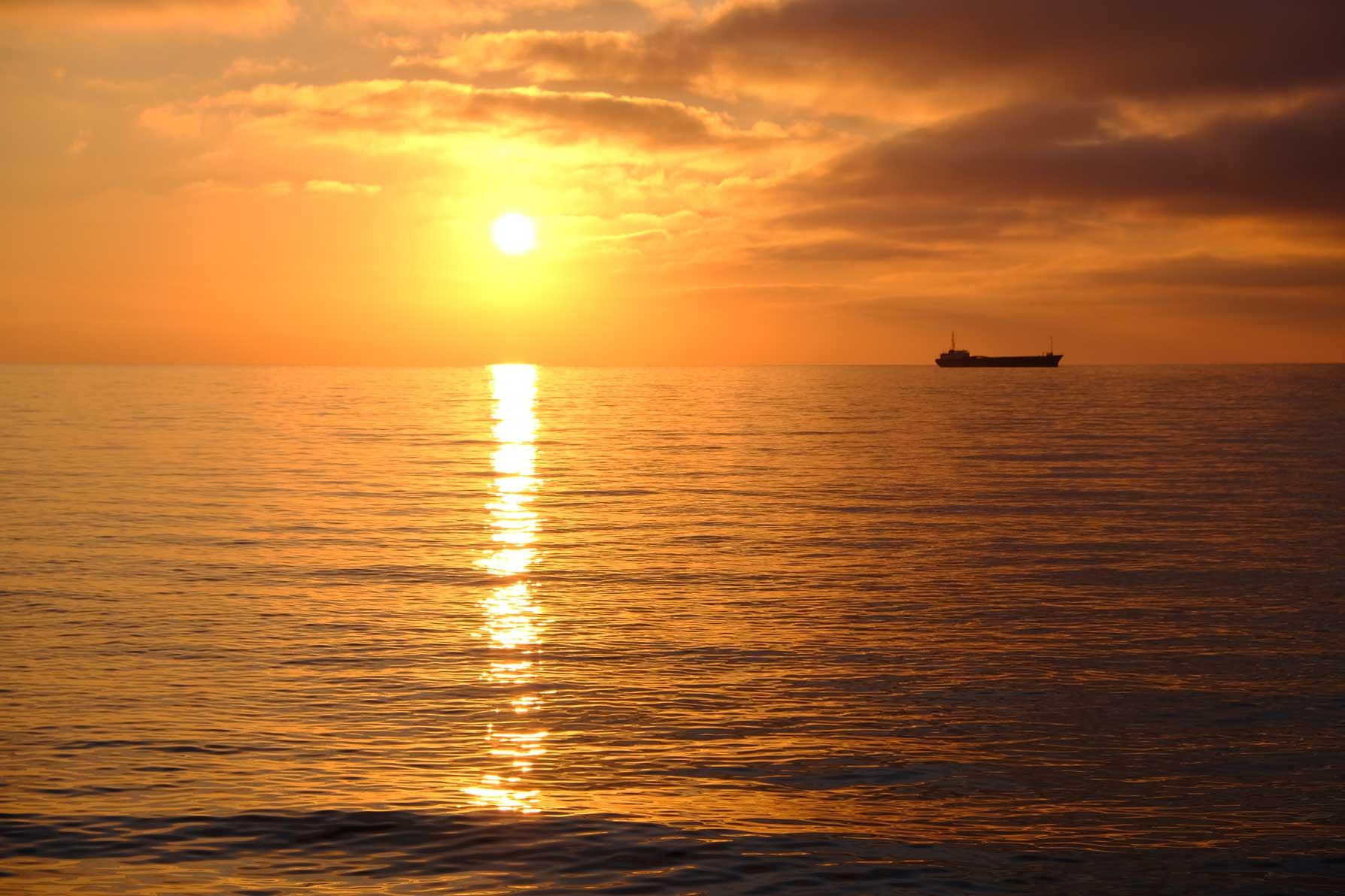 Starke Farben beim Sonnenuntergang
