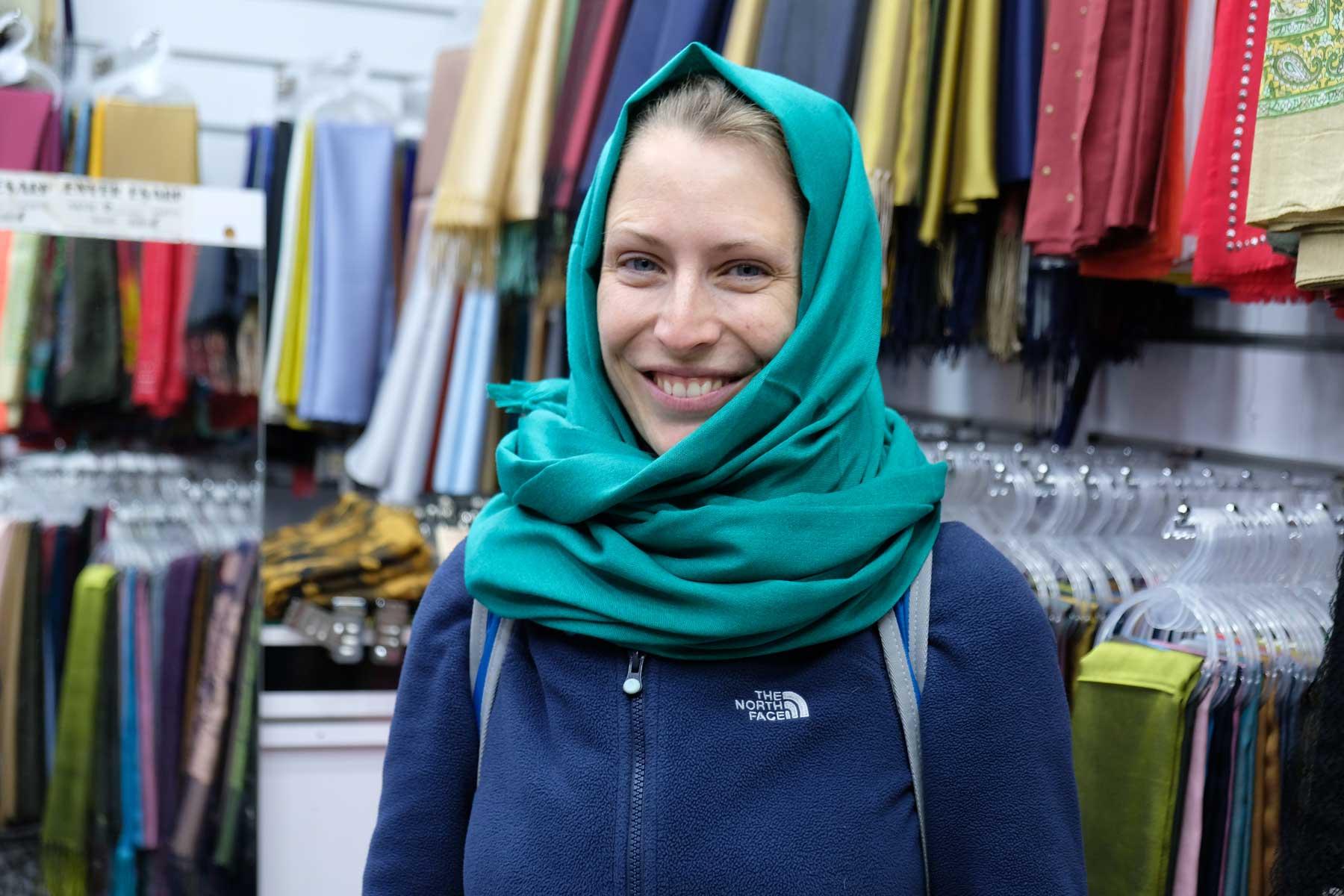 Ein Kopftuch wird für die kommenden Wochen im öffentlichen Raum mein Begleiter sein