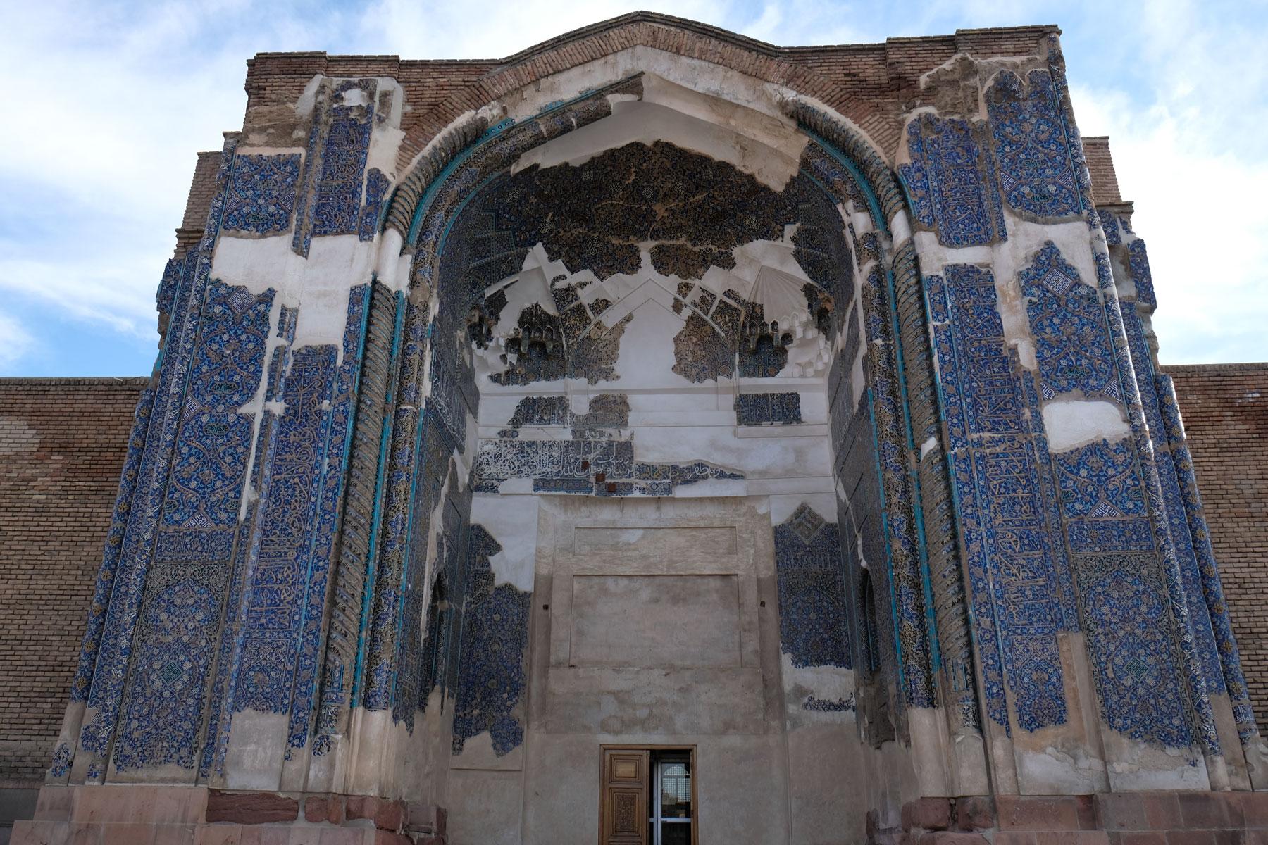 Die blaue Moschee - Reste der blauen Kacheln sind noch zu sehen