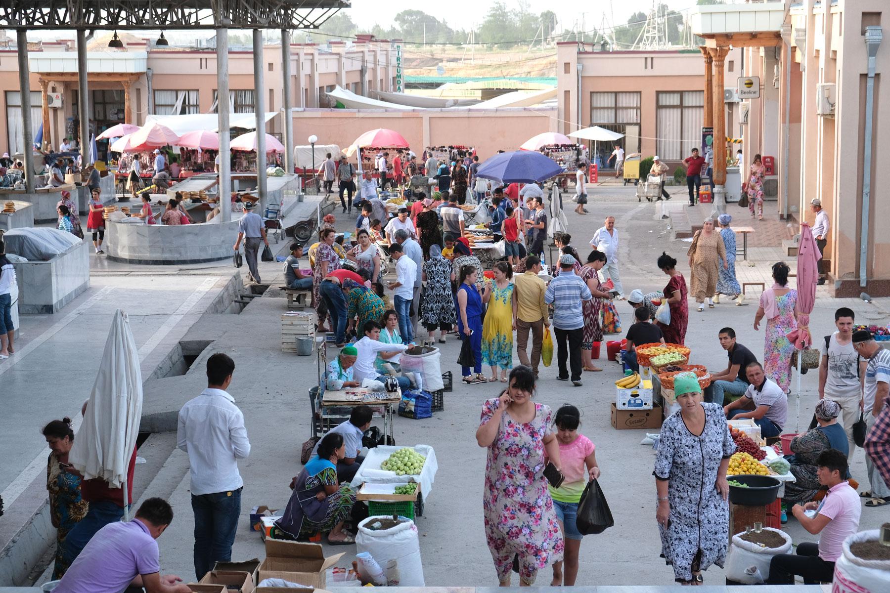 Unsere verbleibende Zeit in Samarkand nutzen wir für einen Ausflug zum Basar
