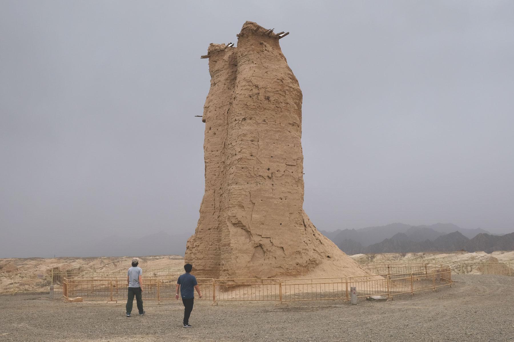 Am Signalfeuerturm von Kizilgaha legen wir unseren ersten Stopp ein. Der 15 Meter hohe Turm ist immer noch gut erhalten.