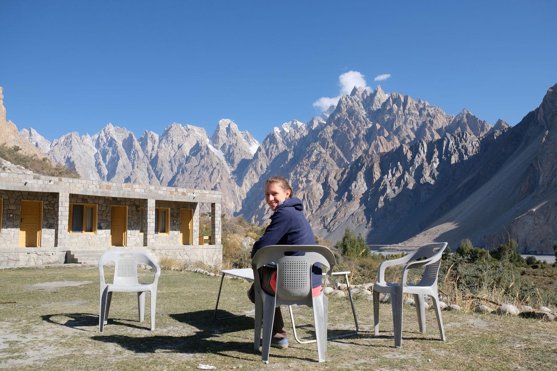 Idyllische Lage unserer ersten Unterkunft in Pakistan