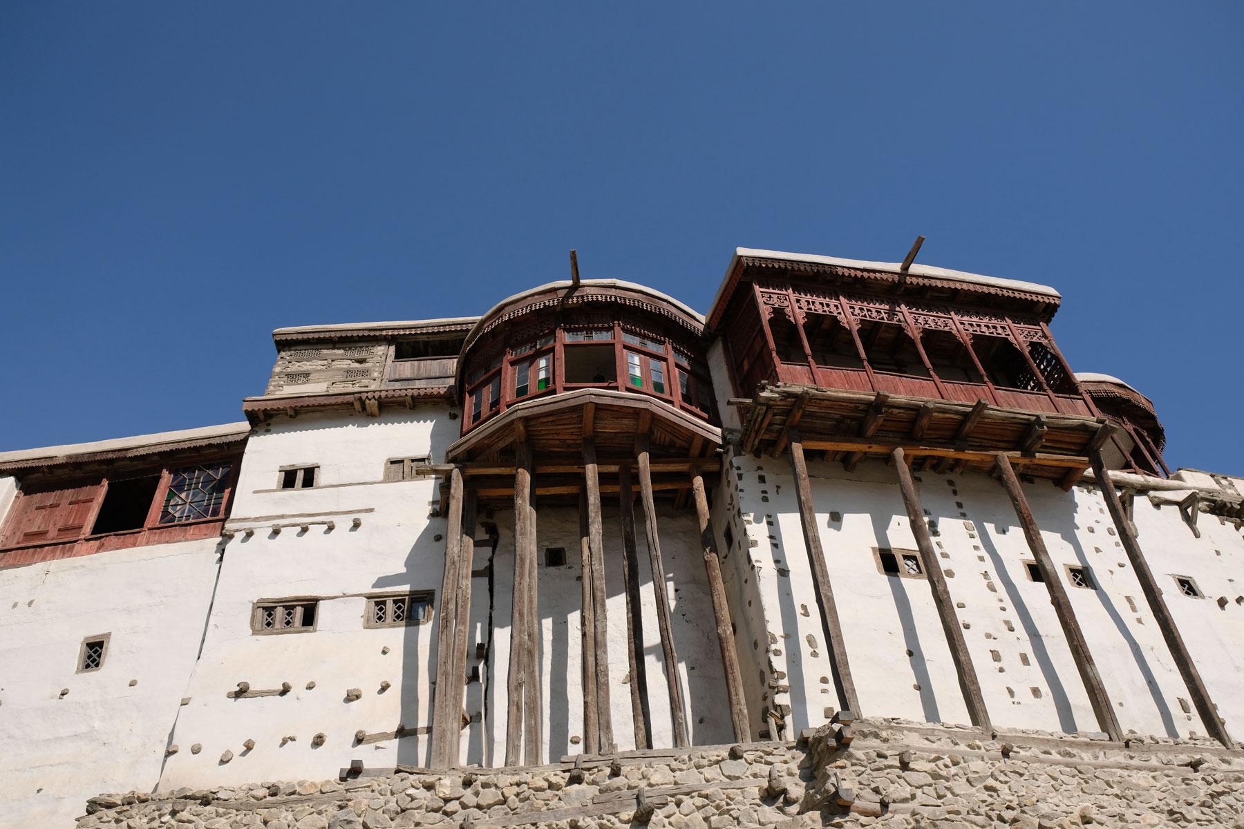 Das Fort ist eine beeindruckende Festung, die uns an den Potala-Palast in Lhasa erinnert