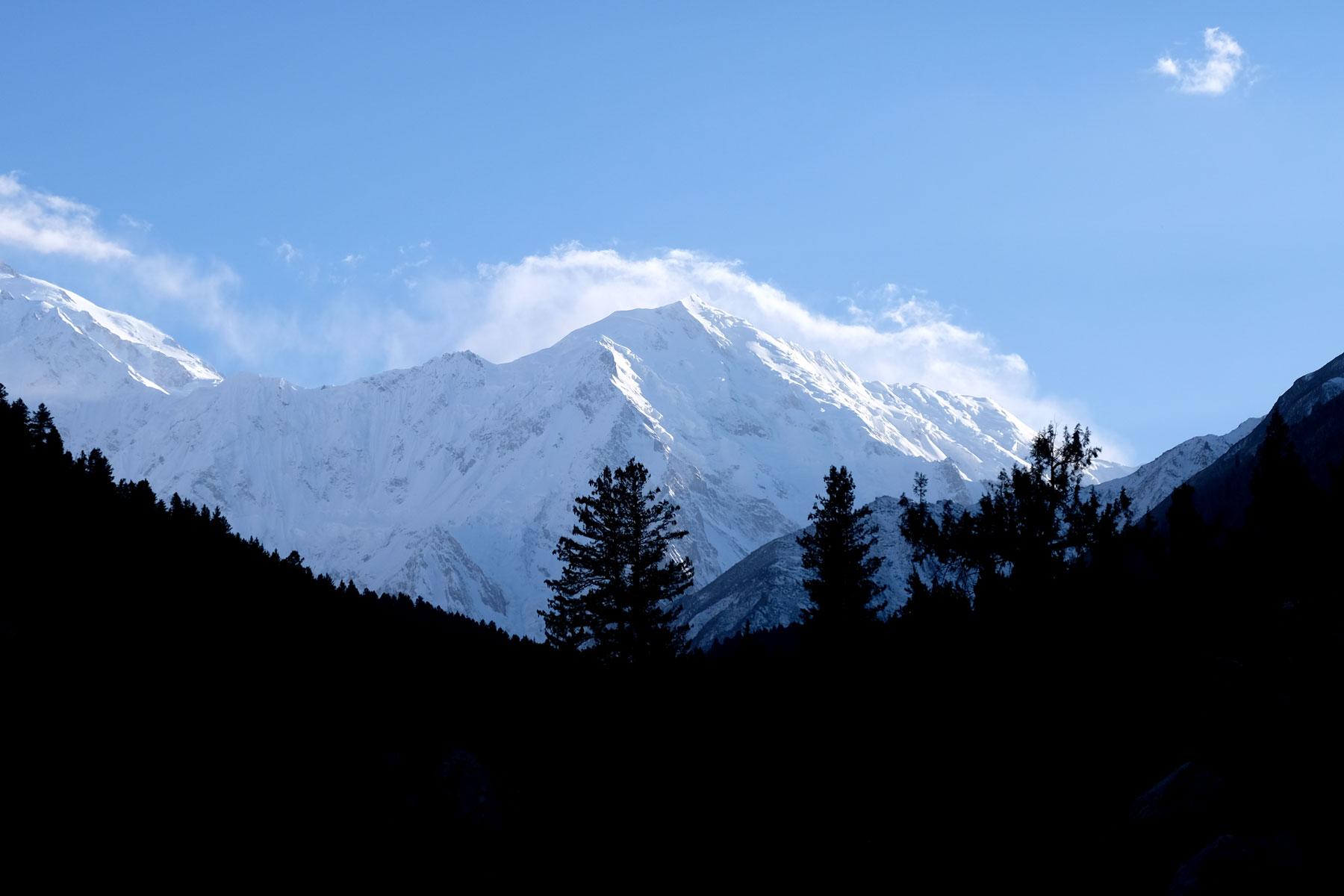 Wir erhaschen den ersten Blick auf den Nanga Parbat, der mit 8.125m der neunthöchste Berg der Erde ist