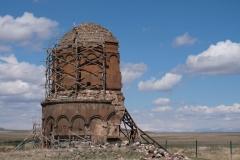 Rückansicht der Erlöserkirche, die sich seit einem Erdbeben 1988 in einem kritischen Zustand befindet