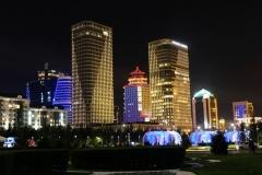 Auch bei Nacht spektakulär: Astanas beleuchtete Skyline