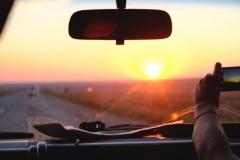 Wir fahren der untergehenden Sonne und Almaty entgegen