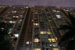 Von unserer schönen kleinen Wohnung in diesem Riesenblock aus erkunden wir Chengdu