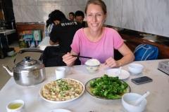 Einfach unser Lieblingsessen: Brokkoli mit viel, viel Knoblauch und leckerer Tofu!