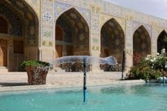 Ein Springbrunnen sorgt zumindest optisch für Abkühlung :-)