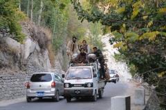 Auf Karimabads Straßen gelten andere Verkehrsregeln als in Deutschland :-)