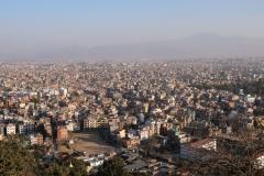 Blick hinunter auf Nepals Hauptstadt Kathmandu