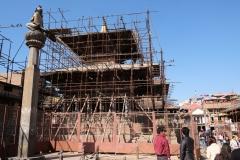 Von dem verheerenden Erdbeben 2015 sind immer noch viele der Tempel eingerüstet