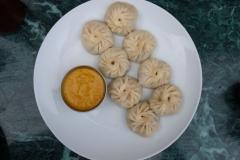 Eines unserer liebsten Essen in Nepal sind die eigentlich tibetischen Momos, die mit Fleisch, Gemüse oder auch mal Käse gefüllt werden