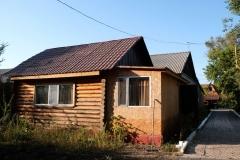 Eine gemütliche Holzhütte ist in Korgalzhyn für vier Tage unser Zuhause