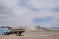 Ein Sandsturm fegt über Rankul hinweg