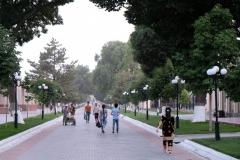 Am Ankunftstags schlendern wir gemütlich durch die Fußgängerzone Samarkands