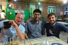 Abendessen mit Thomas und Ichiro an unserem letzten Tag in Usbekistan