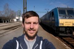 Die Zwangspause verschafft genügend Zeit für ein Selfie mit der Lok