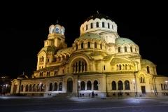 Die Alexander-Newski-Kathadrale schön beleuchtet