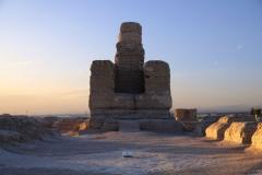 Eine Stupa im Licht der untergehenden Sonne - auch die früheren Bewohner hatten schon einen Sinn für Humor :-)