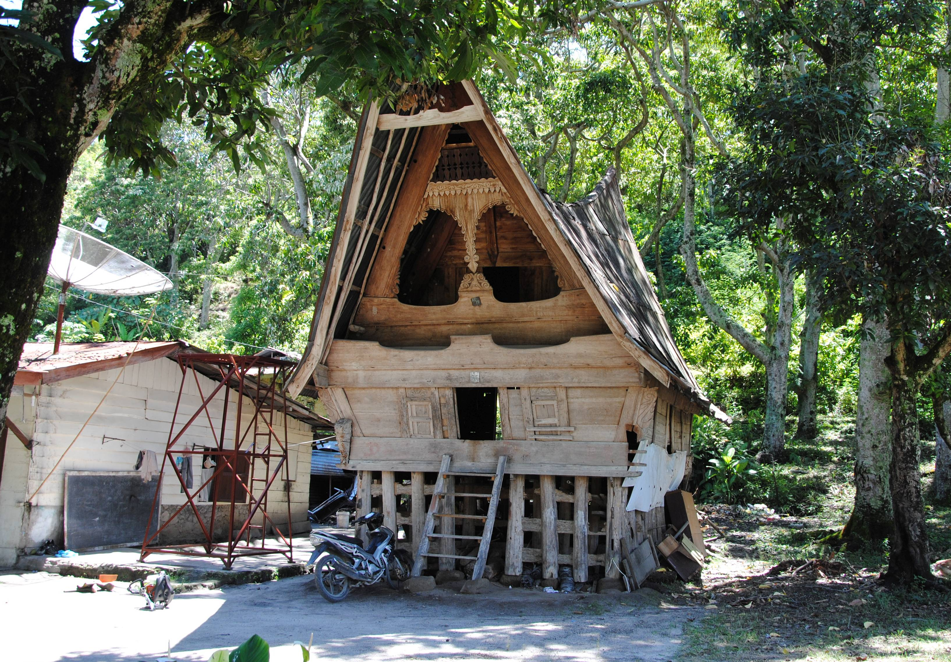 Ein Haus der Batak in der typischen Bauart