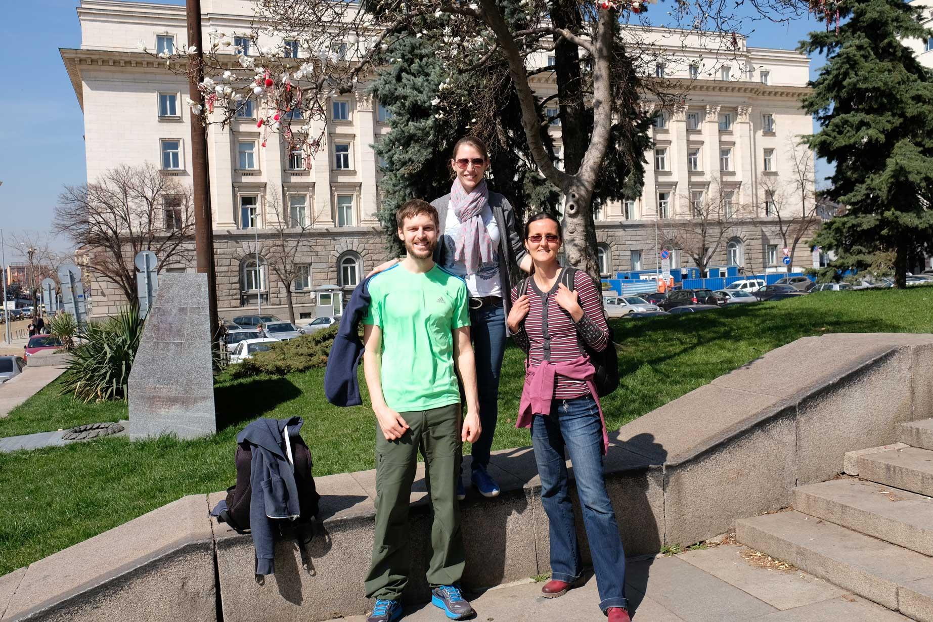 Sebastian, Leo und Hristina in Sofias Innenstadt