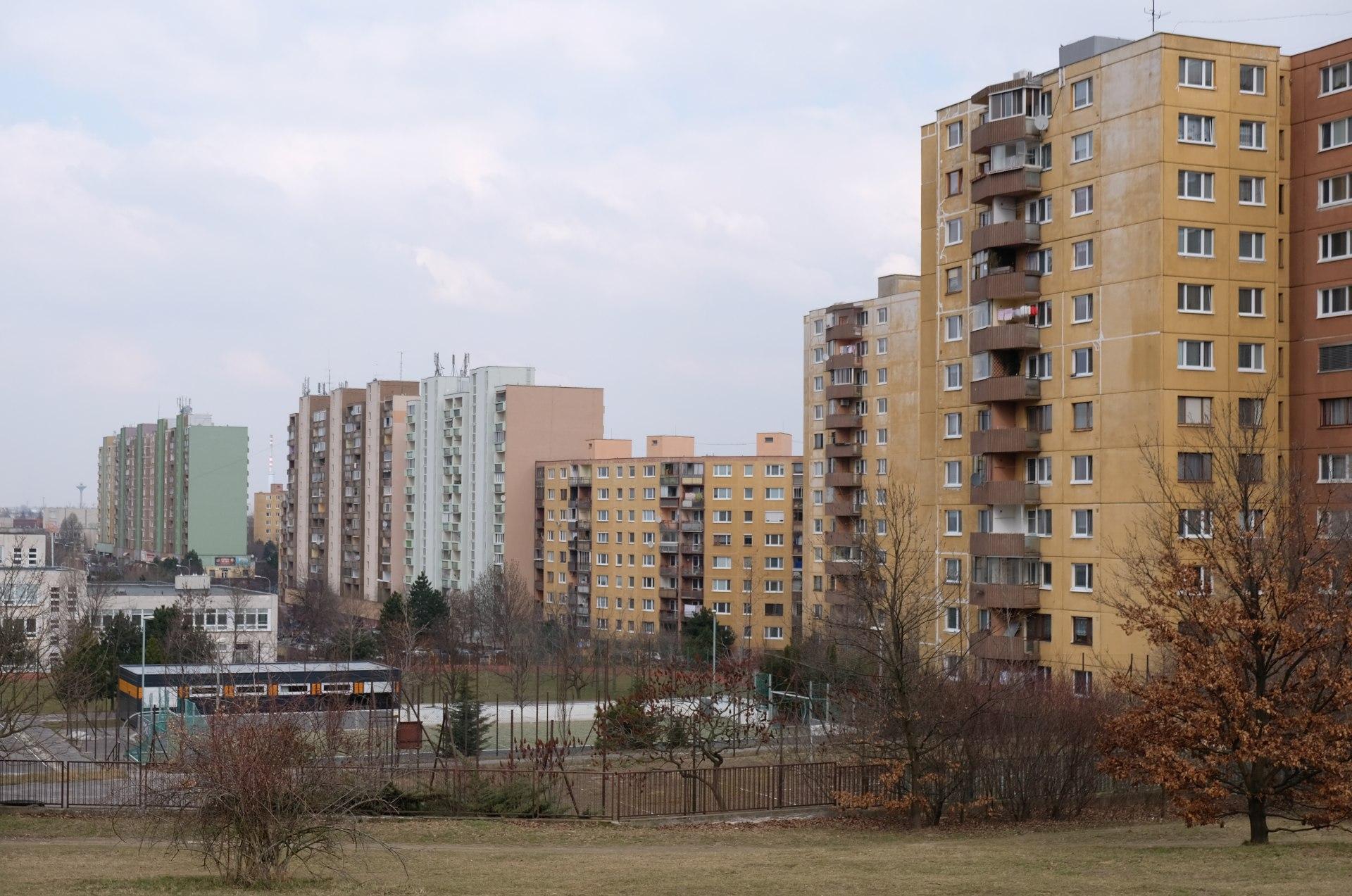 Mehrstöckige Wohnhäuser