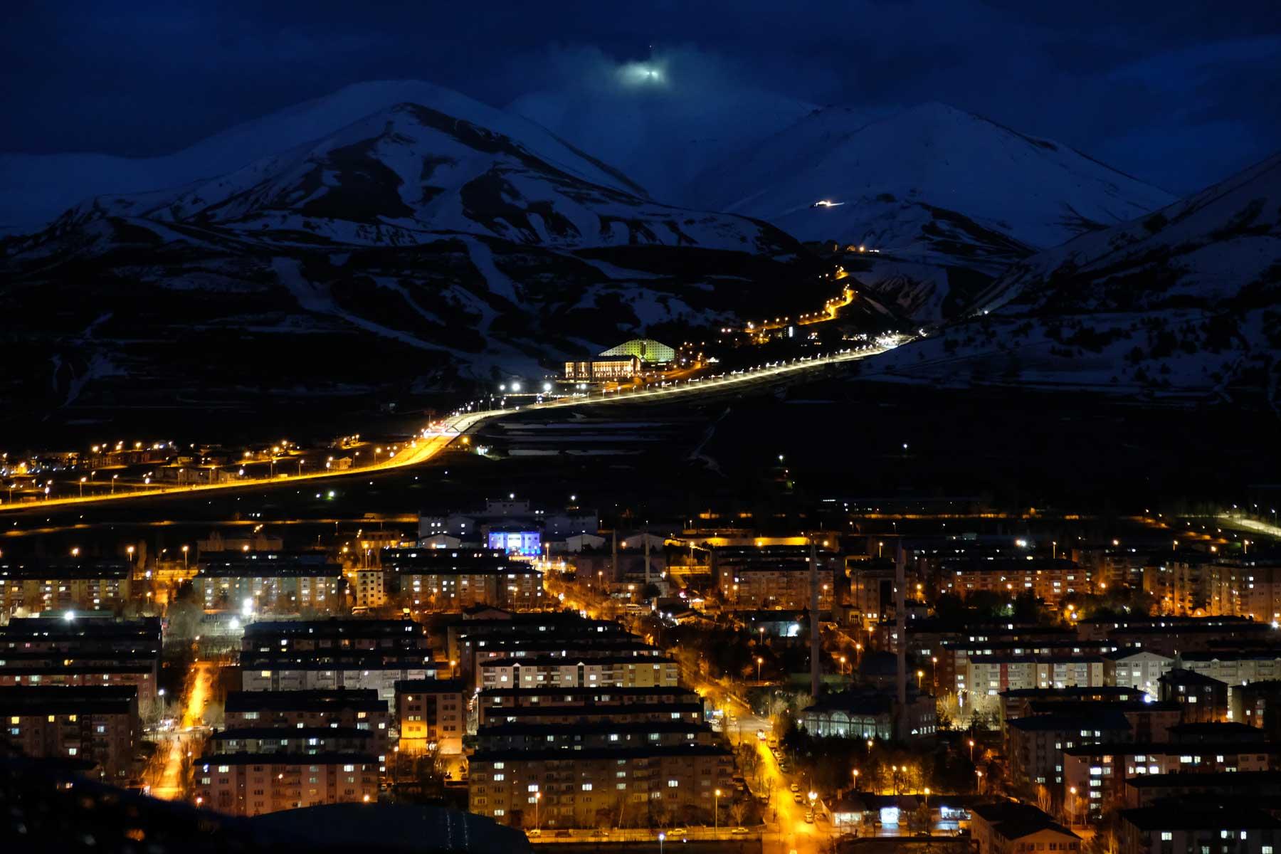 Erzurum bei Nacht