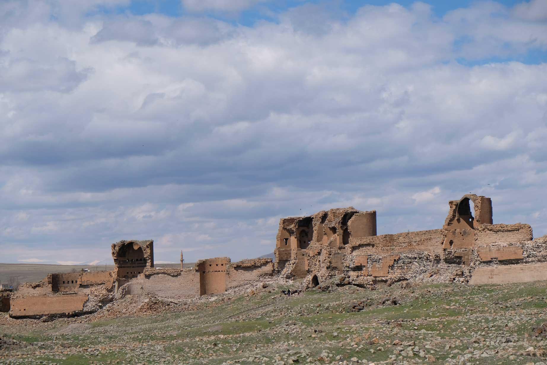 Ruine der alten Stadtmauer