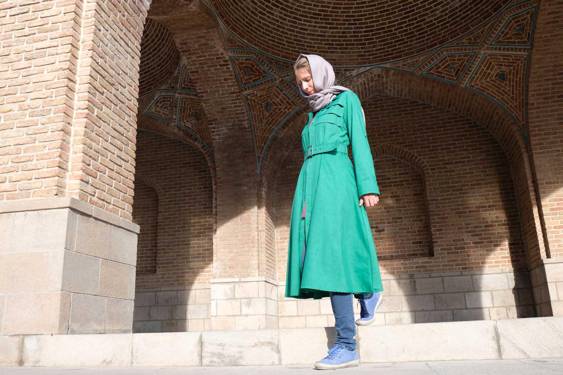 Der in der Türkei erstandene Mantel ist leicht und toll, wurde aber trotzdem irgendwann zu warm. Nun hat er eine neue Besitzerin...