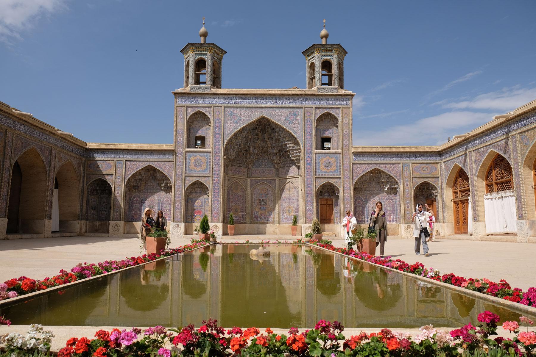 Pinke Moschee in Schiraz