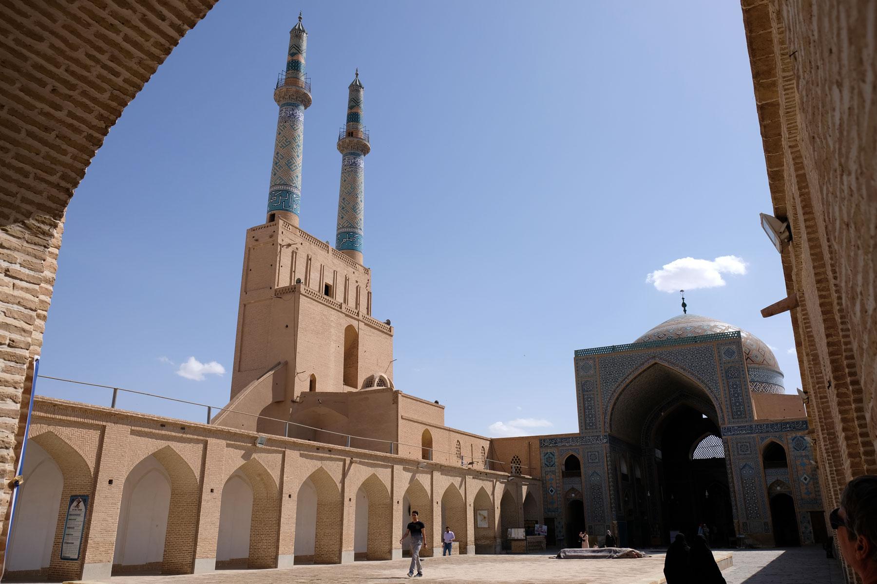 Die Minarette der Jame Moschee haben eine beeindruckende Höhe