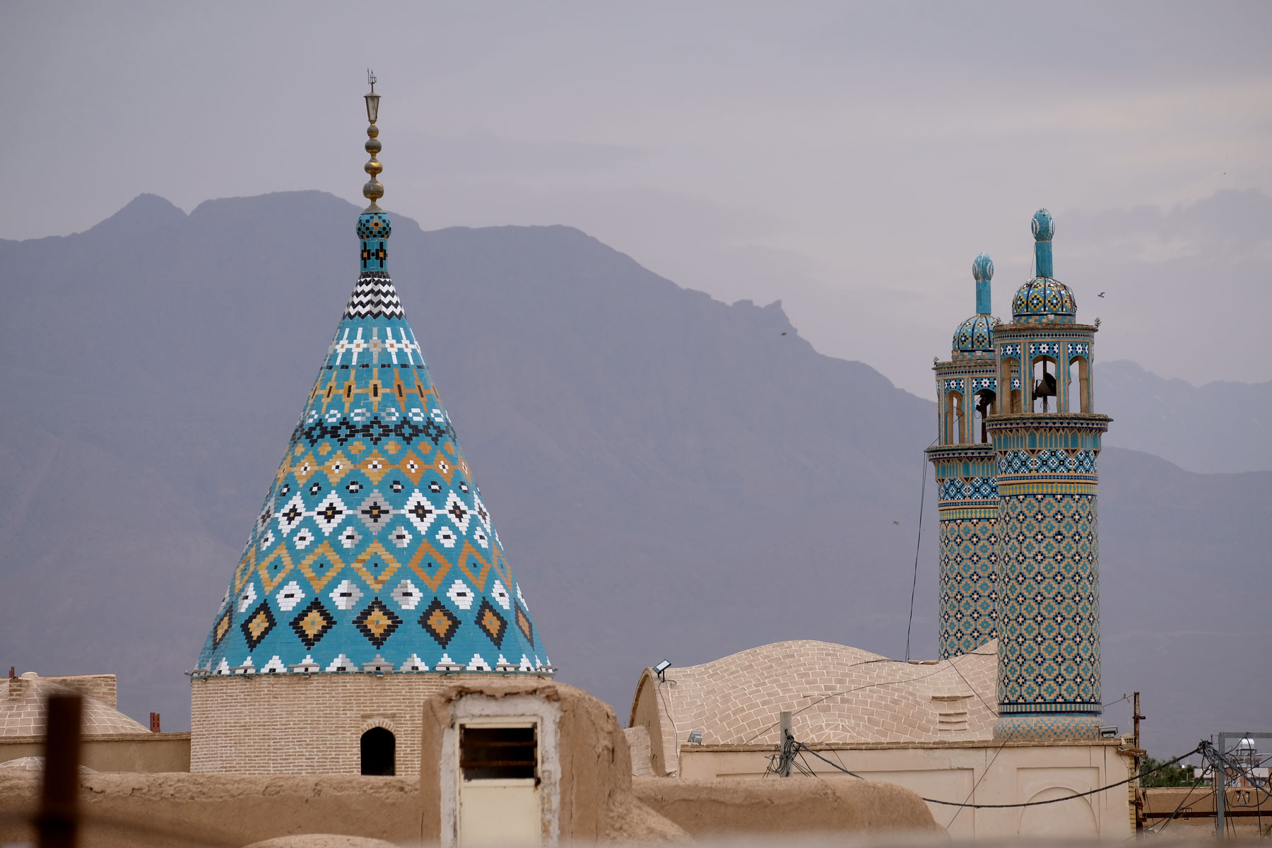 Dach des Shahzada Ibrahim Mausoleums