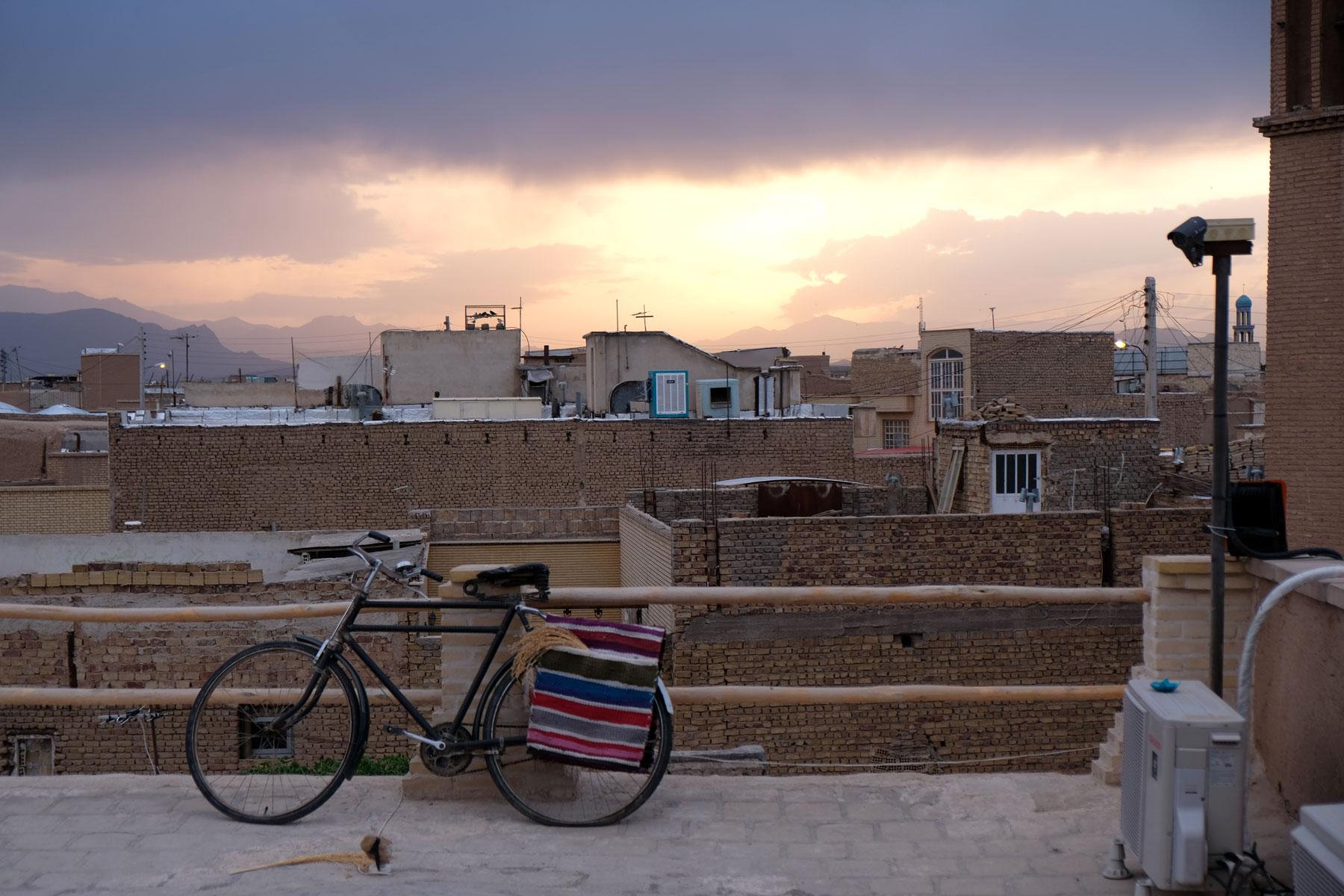 Die Dächer Kashans am Abend
