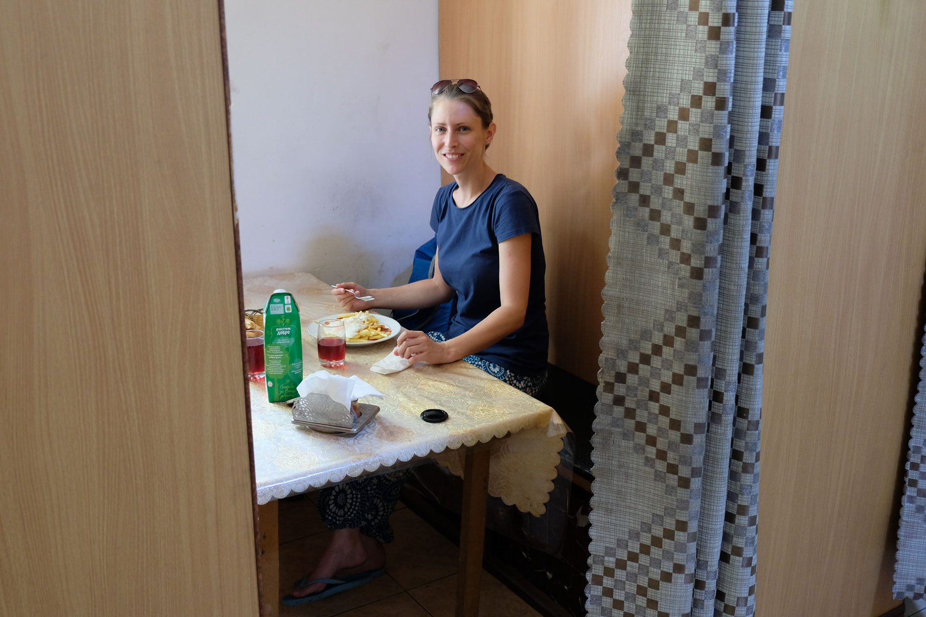 Essen im Séparée. Trotz Ramadan tagsüber trotzdem problemlos möglich.